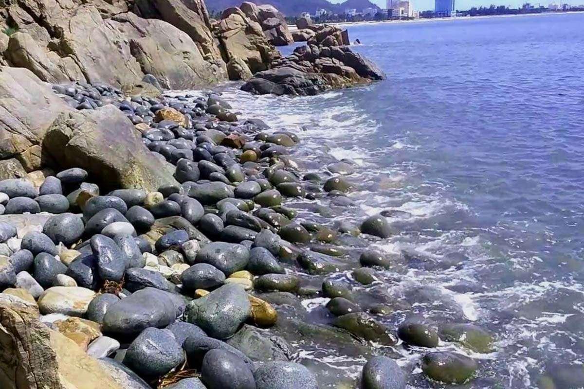 Đặc sắc những hòn đá nhẵn nhụi