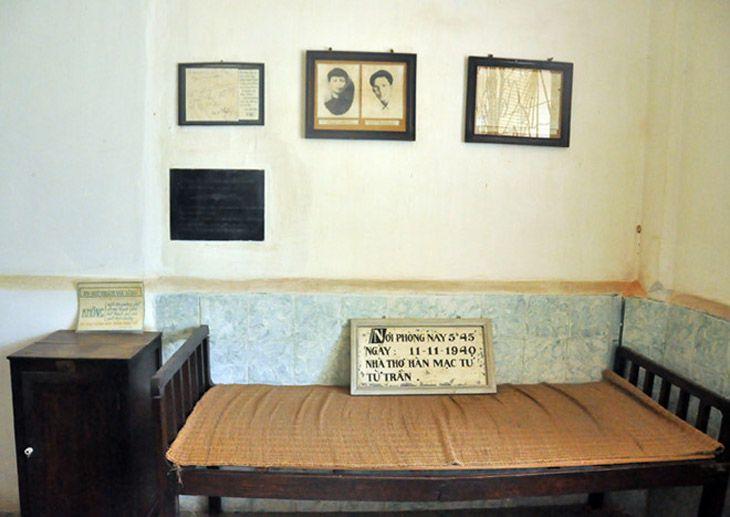 Giường của Hàn Mặc Tử ở trại phong quy hòa, vẫn còn giữ nguyên vẹn - Ảnh: ST