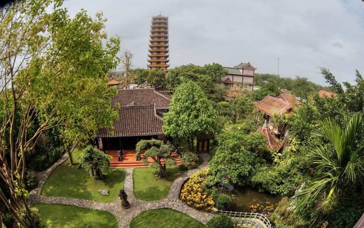 Khuôn viên khác của chùa Thiên Hưng - Anh:ST
