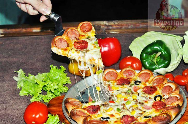 Pizza ở đây phải xuýt xoa khen ngon, thèm quá đi - Ảnh:ST