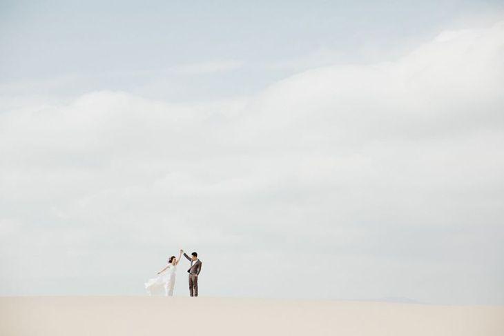Bộ ảnh cưới cùng đồi cát dài, ,mịn màng