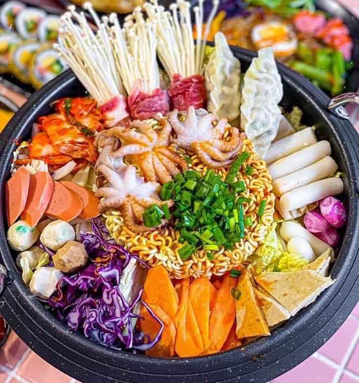Các món ăn rất đậm đà và thơm ngon, mang hương vị của Xứ Kim Chi - Ảnh:ST