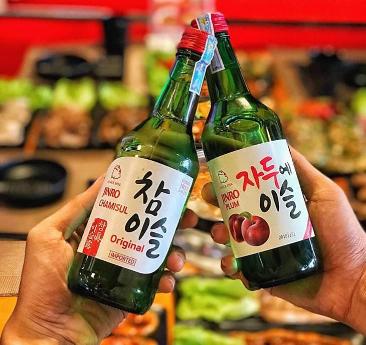 Và đặc biệt là rượu sochu thì hết xẩy luôn nha - Ảnh:ST