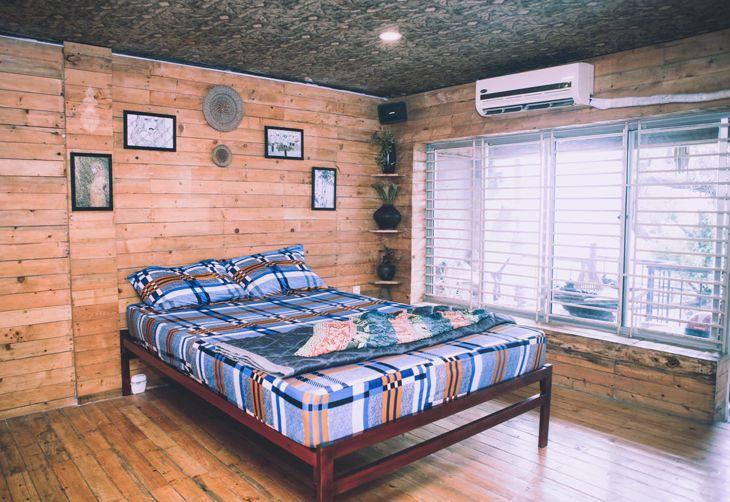 Phòng đơn được trang trí đơn giản và đầy đủ tiện nghi- ảnh:ST