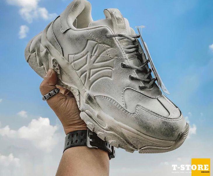 Thỏa sức lựa chọn những đôi giày vừa ý nhất nhé - Ảnh:TStore