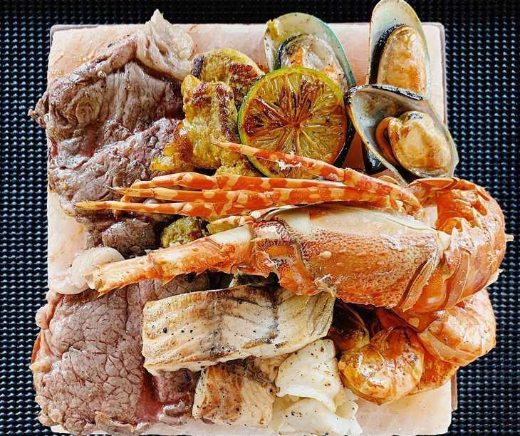 Thưởng thức những món hải sản tươi ngon từ biển cả nơi đây - Ảnh:ST
