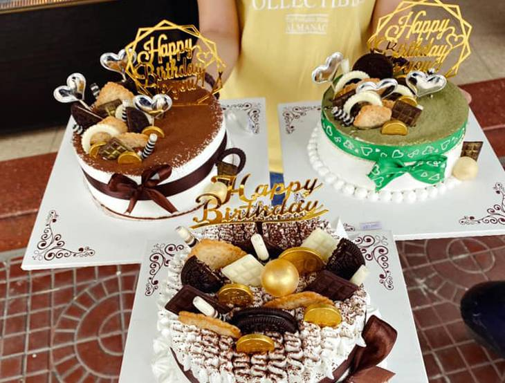 Ở đây còn bán các loại bánh ngọt khác cũng rất ngon và được nhiều người yêu thích - Ảnh:ST