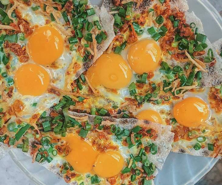 Lạ miệng với món bánh tráng kẹp, đây là món bánh tráng kẹp trứng ốp la - món ghiền nhất của ad đấy