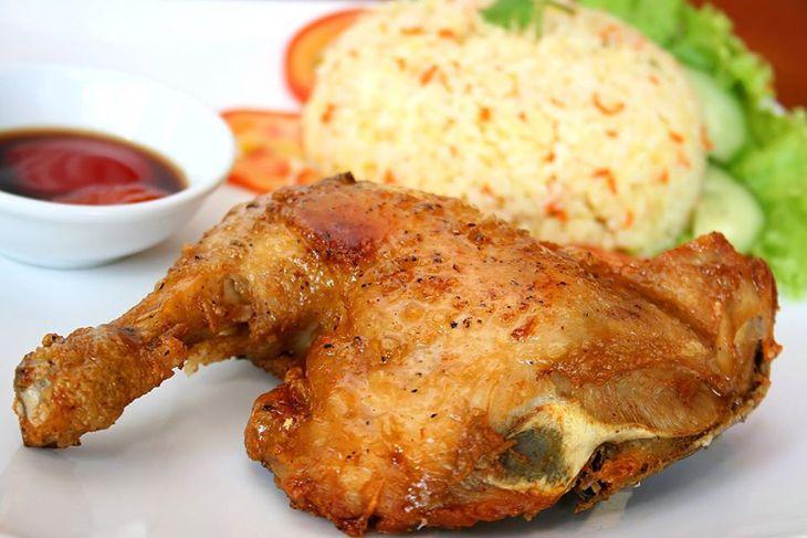 Cơm gà ở quán cũng rất là ngon và nỗi tiếng đó nhé - Ảnh:ST