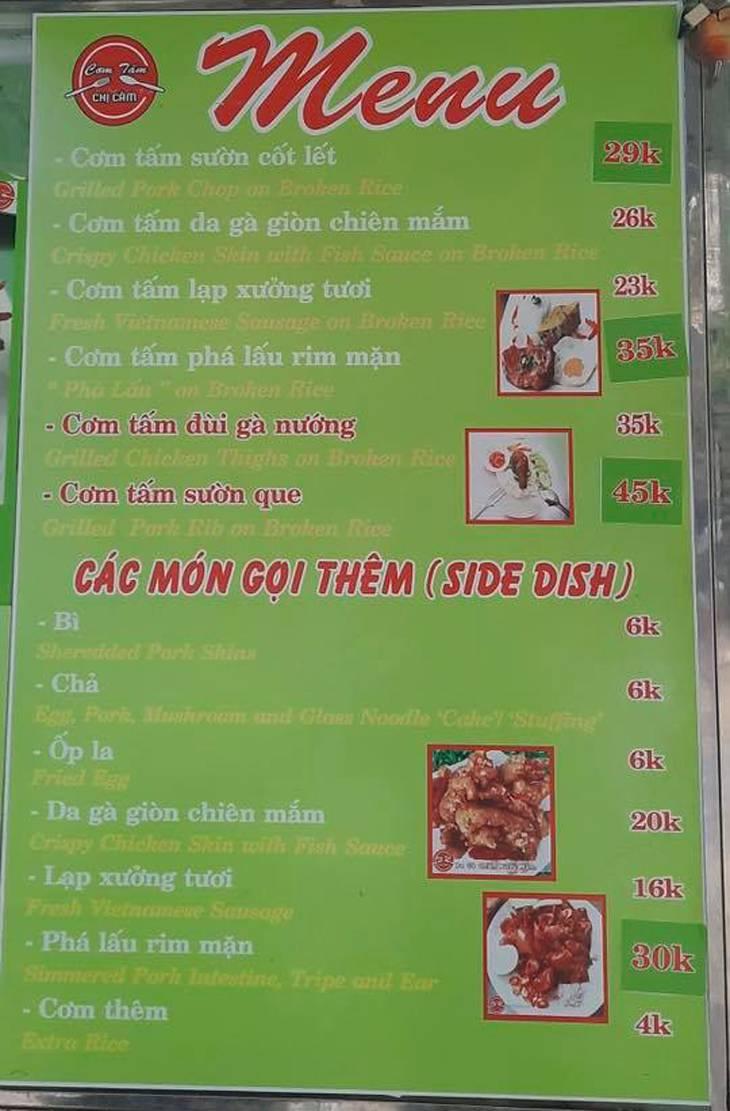Menu của quán rất đa dạng có cả cơm gà, cơm tấm - Ảnh:ST