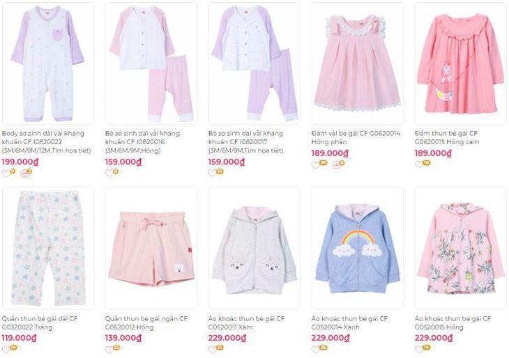 Các mặt hàng quần áo trẻ em với đầy đủ các kích cỡ