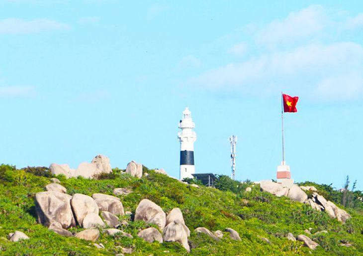Khám phá ngọn hải đăng và cột cờ tổ quốc đặc sắc - Ảnh:ST