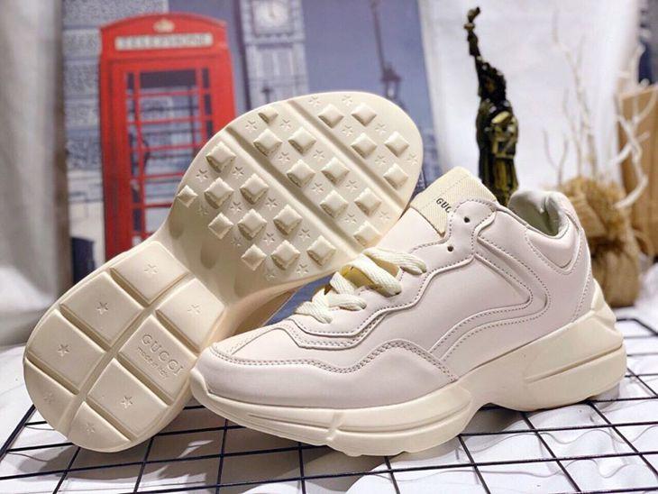 Những đôi giày y chang chính hãng nhưng giá <50% luôn ấy!