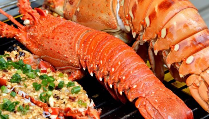 Các món hải sản tươi sống đặc sắc, nước chấm cực ngon - ảnh:ST