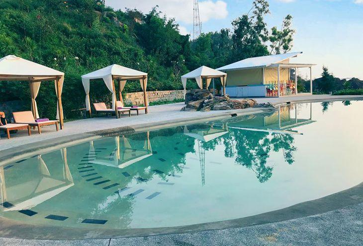 Tắm nắng ở Casa Marina Quy Nhơn - Ảnh:ST