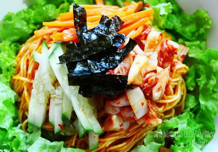 Các món ăn Hàn Quốc ở đây rất đúng vị và thơm ngon đấy nhé - Ảnh:ST