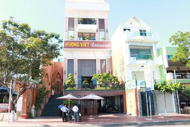 Nhà hàng hải sản Hương Việt một trong những nhà hàng mới mở nhưng rất được du khách gần xa lựa chọn - ảnh:ST