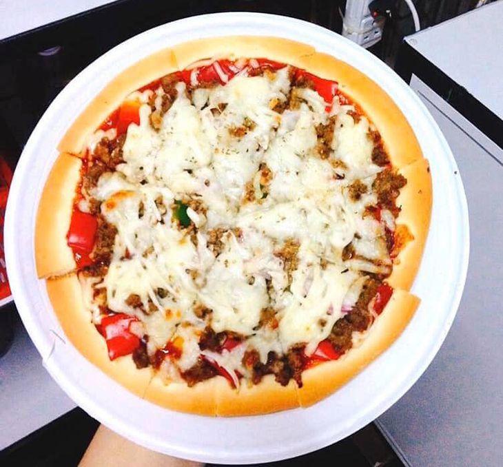Pizza rất ngon và đậm đà