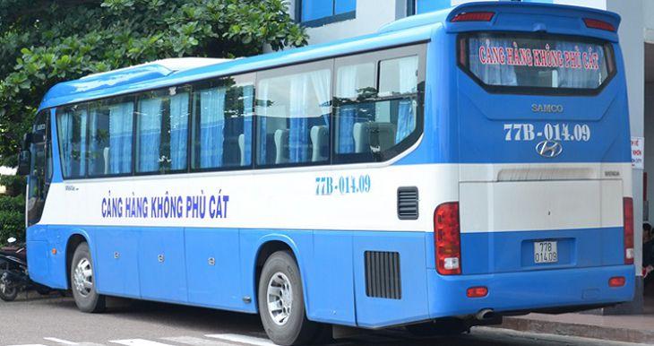 Di chuyển bằng xe buýt trung chuyển của sân bay, giá rẻ uy tín