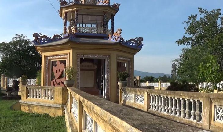 Trong điện có thờ 2 vị tướng dưới thời Nguyễn Ánh