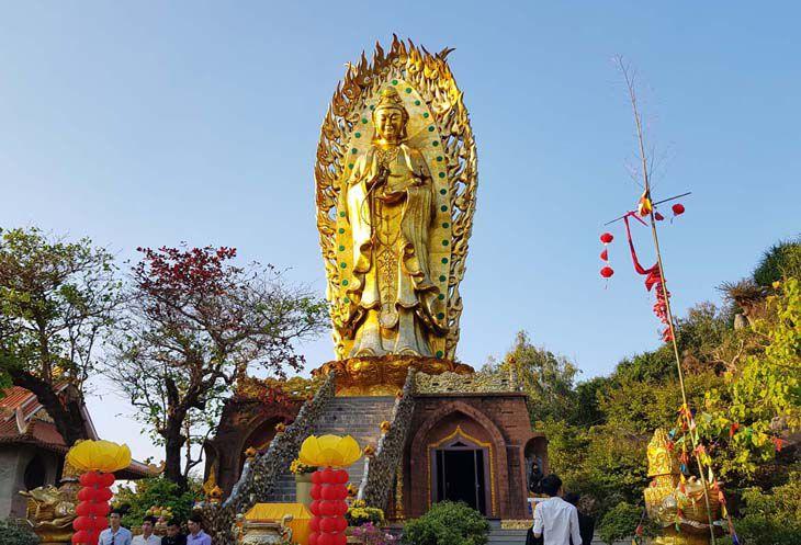 Tịnh Xá Ngọc Hòa Quy Nhơn – Tượng Đôi Quan Âm Cao Nhất Việt Nam
