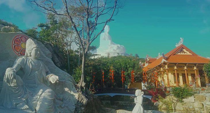 Nhìn xa xa đã thấy tượng phật ngồi cao nhất Đông Nam Á - Ảnh:ST