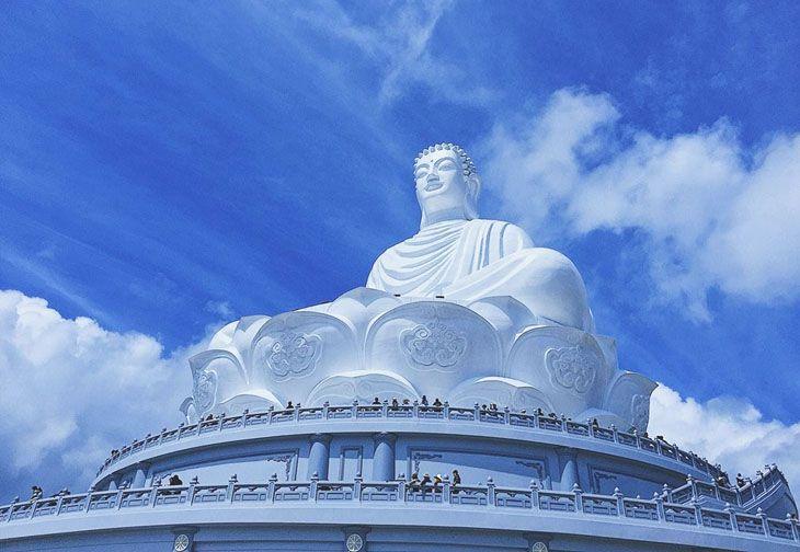 Tượng Phật ngồi cao nhất Đông Nam Á, cao 69m - Ảnh:ST