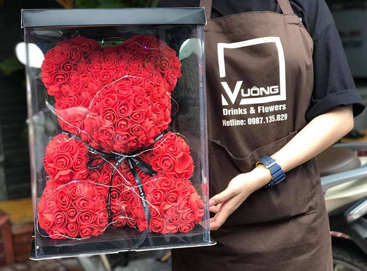 Vuông Drink & Flower là một shop với phong cách trẻ trung, năng động rất được nhiều bạn trẻ yêu thích - Ảnh:ST